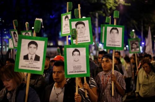 'Están monitoreando nuestros teléfonos': cómo descubrimos el ciberespionaje a mexicanos