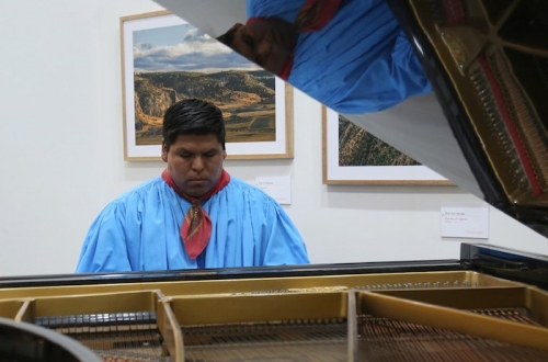 Romeyno Gutiérrez, el primer pianista rarámuri